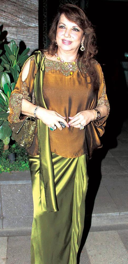 Zarine Khan Makes Her Presence Felt At An Elegant Evening