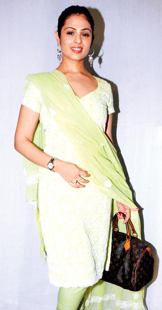 Anjana Sukhani In A Desi Chudidar Dress At The Music Launch Of Rock On Hindustan