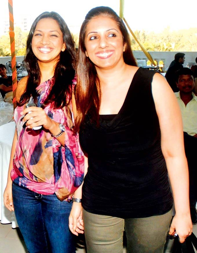 Mansi And Munisha Are All Smiles At The Music Launch Of Rock On Hindustan
