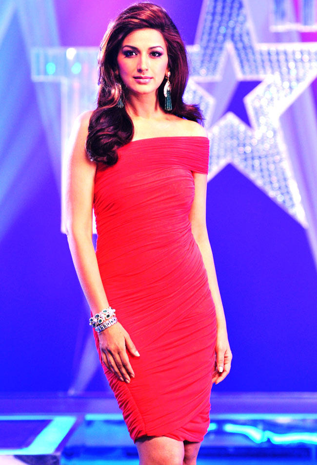 Sonali Bendre Glamour Look Still