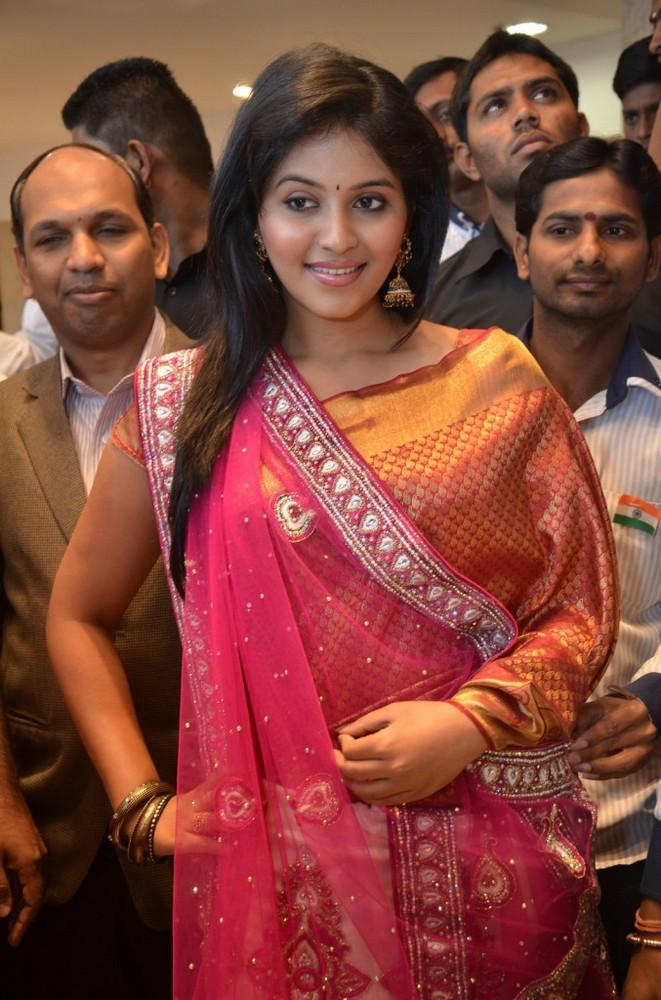 Anjali Charming Look Photo Still At Womens World Showroom Launch