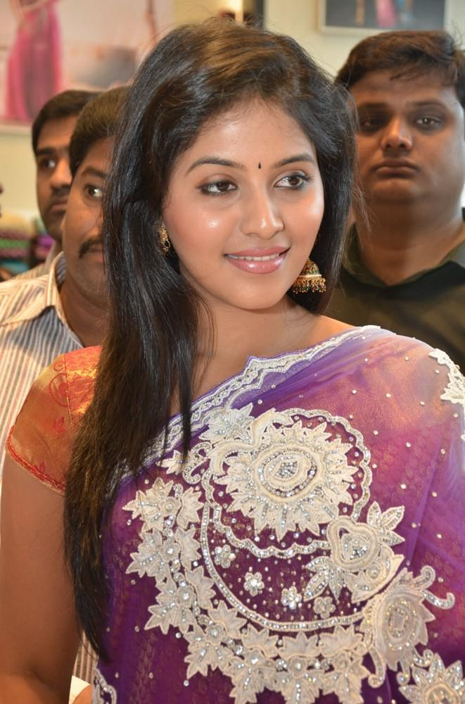 Anjali Spotted At Womens World Showroom Launch