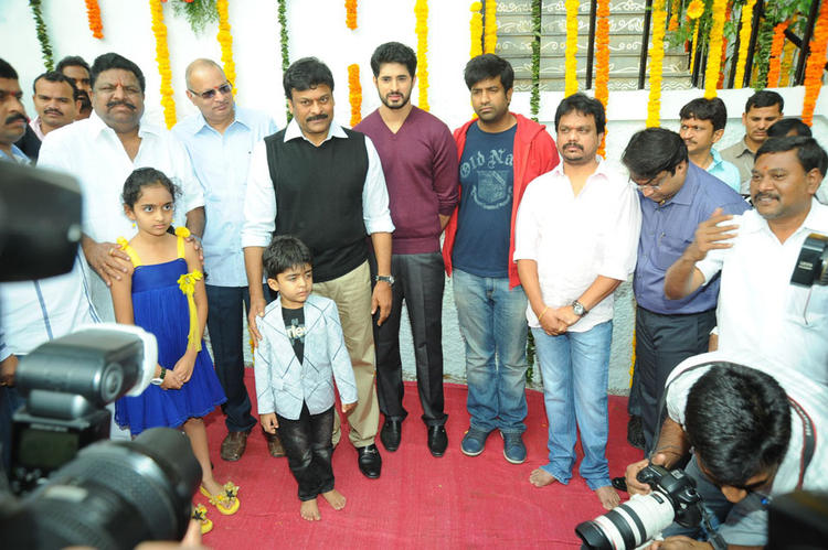 Chiranjeevi,Arvind And Vennela Posed For Camera At Biscuit Movie Opening