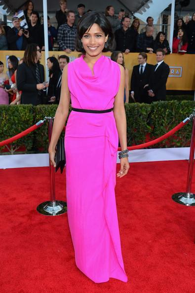 Freida Pinto In Red Carpet At The 19th Annual SAG Awards 2013