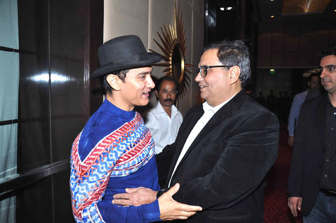 Aamir And Subhash Have A Chat At Subhash Ghai Birthday Bash
