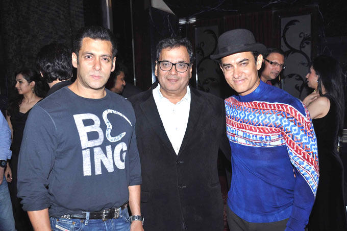 Subhash With Salman And Aamir Strikes A Pose At Subhash Ghai Birthday Bash