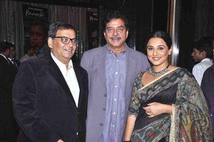 Subhash With Shatrughan And Vidya Nice Pose At Subhash Ghai Birthday Bash