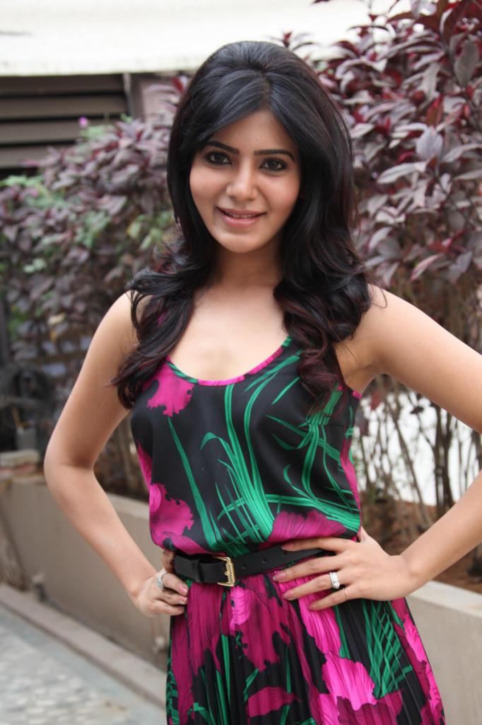 Samantha Attractive Look At Jabardasth Movie Press Meet