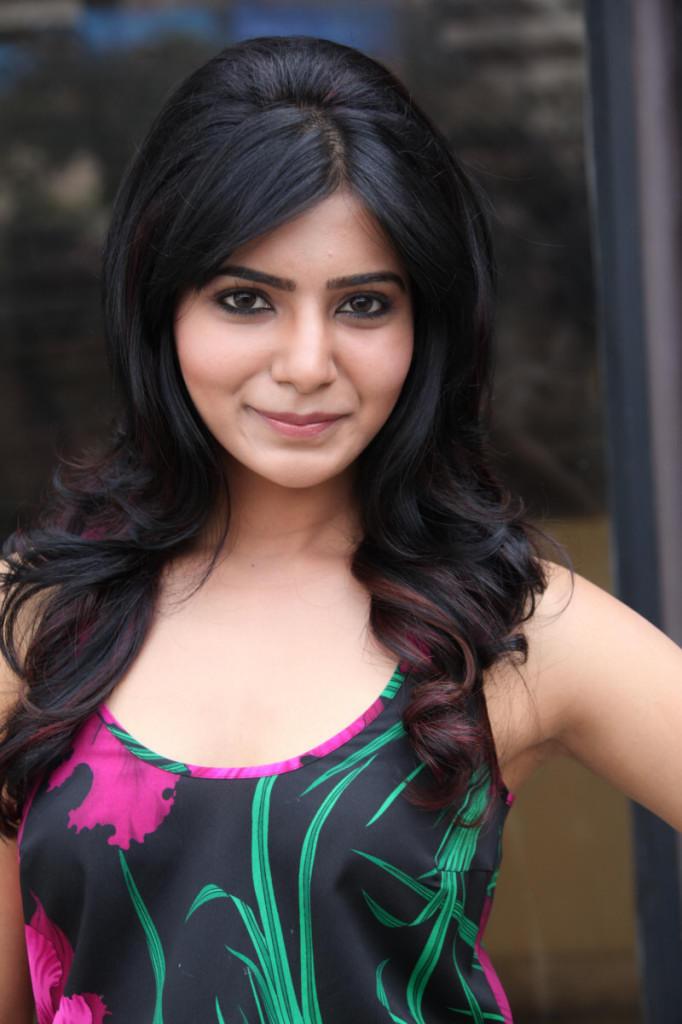 Samantha Cute Fcae Look At Jabardasth Movie Press Meet