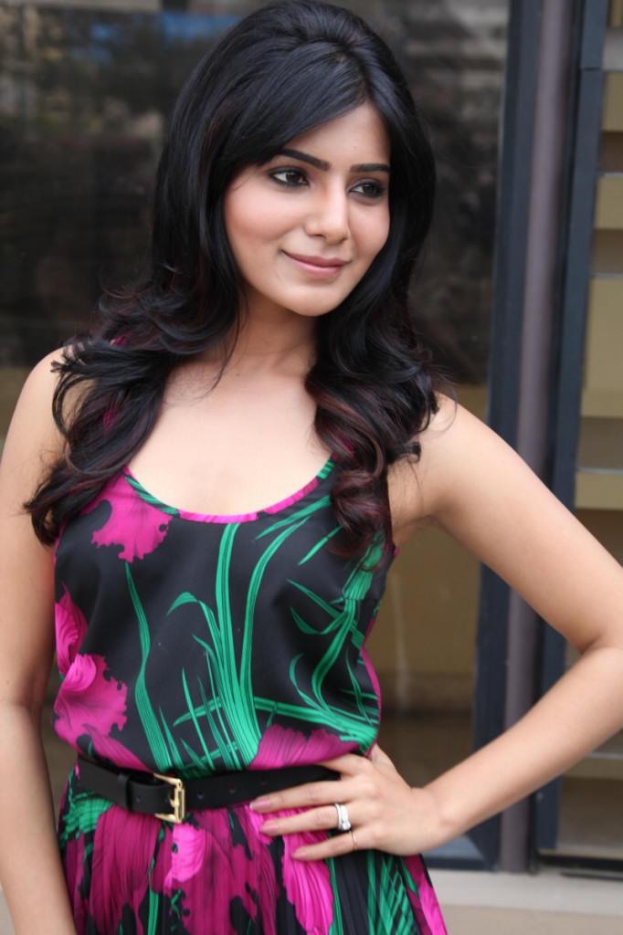 Samantha Fashionable Look At Jabardasth Movie Press Meet