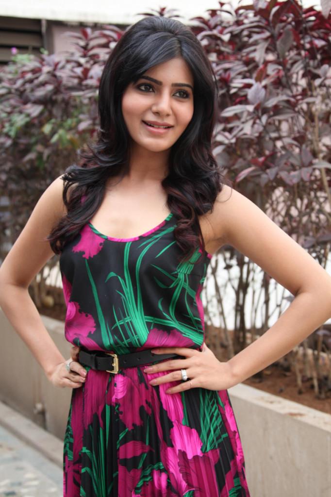 Samantha Nice Pose At Jabardasth Movie Press Meet