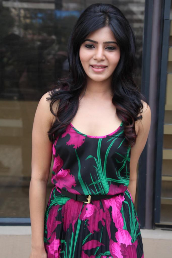 Samantha Spicy Hot Look At Jabardasth Movie Press Meet