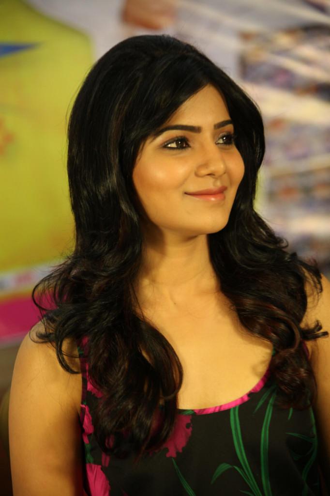 Samantha Stunning Look At Jabardasth Movie Press Meet