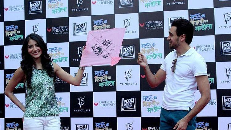 Imran And Anushka Cool Look At Kite Flying Event To Promote MKBKM