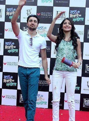 Imran And Anushka During The Kite Flying Event To Promote MKBKM