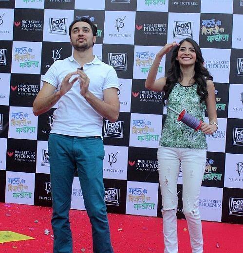 Imran And Anushka Fly Kites To Promote MKBKM