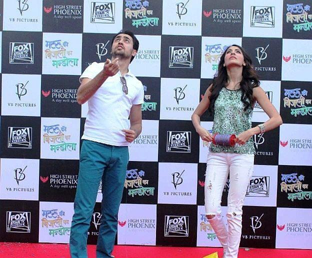 Imran And Anushka Present At Kite Flying Event To Promote MKBKM