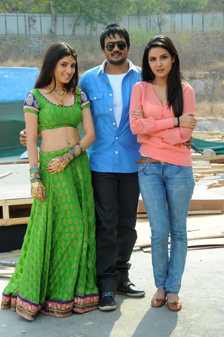 Sairam With Priyadarshini And Jasmine Glamorous Look Still At Dilnnodu Movie Press Meet