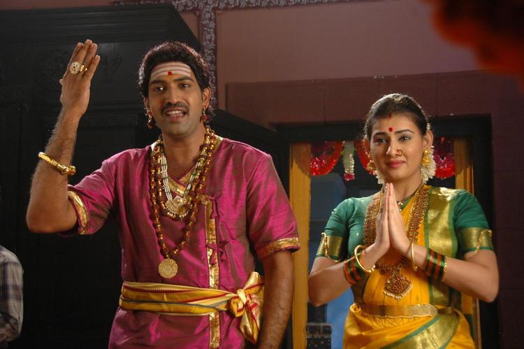 Tarakaratna And Archana Acting In A Devotional Song In Movie Maha Bhaktha Siriyala