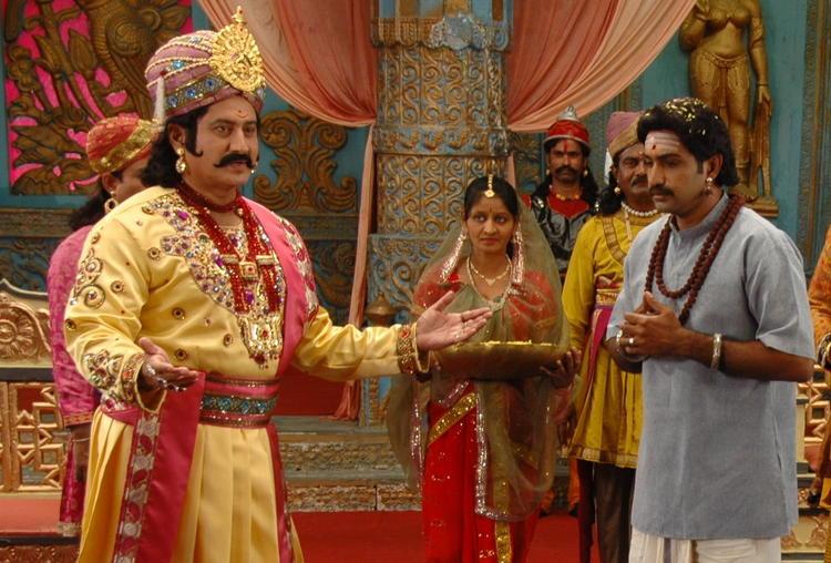 Tarakaratna With The King Photo Still From Movie Maha Bhaktha Siriyala