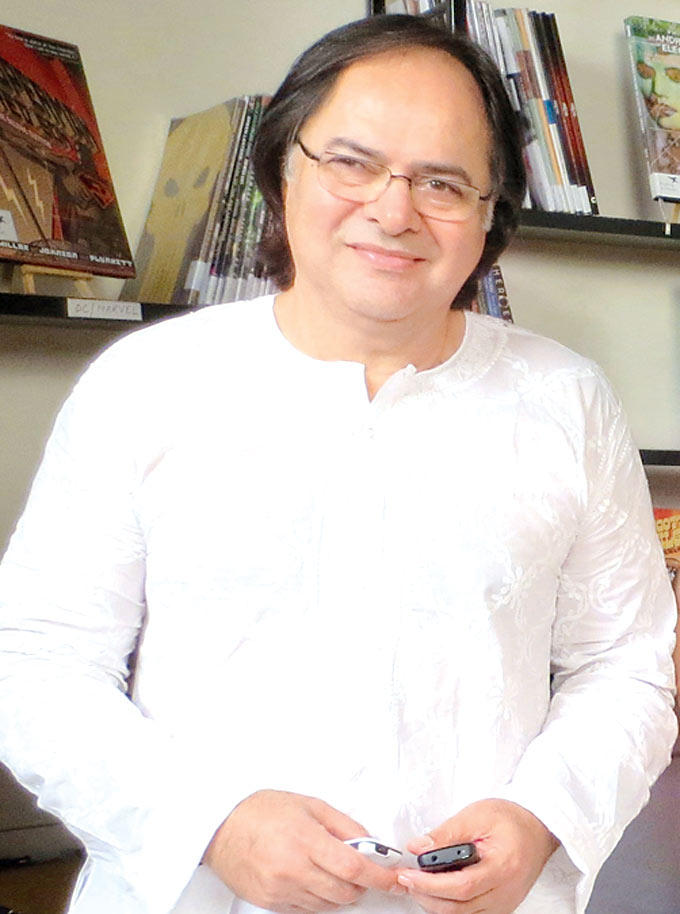 Farooq Sheikh Sticks To His Usual White At Listen Amaya Promotional Event