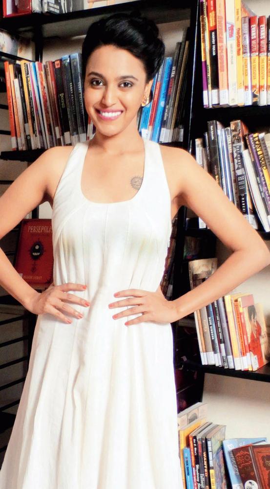 Swara Bhaskar Strikes A Pose At Listen Amaya Promotional Event