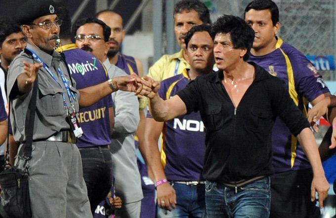 Shahrukh Khan Controversial Still At Wankhede Stadium During An IPL Match