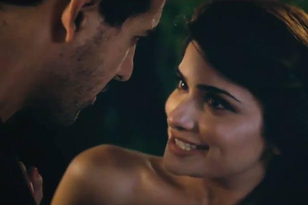 Prachi Desai And John Abraham Hot Smiling From I Me Aur Main Movie