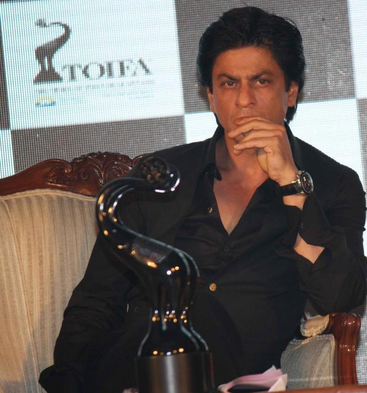 Shahrukh Khan Posed At The Launch Of TOIFA Vancouver 2013