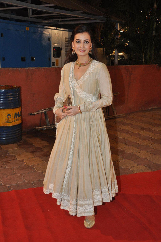 Dia Mirza Cute Smiling Pose For Camera At Udita Goswami And Mohit Suri Wedding Ceremony