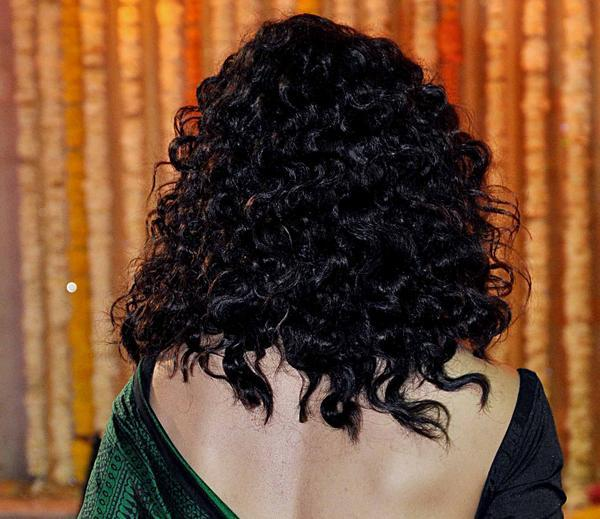 Kangana Sexy Back Show Pose At Udita Goswami And Mohit Suri Wedding Ceremony
