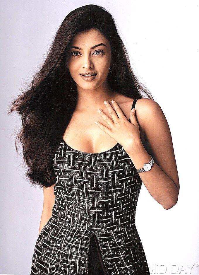 Aishwarya Rai Bachchan Hot And Sexy Look Still