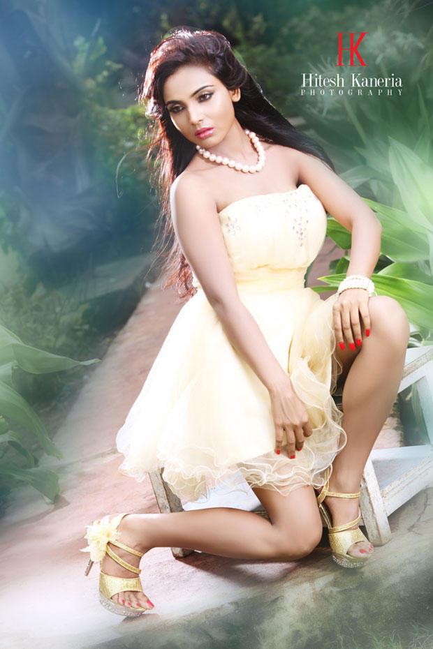 Shilpi Shukla Glamour Look Hot Still