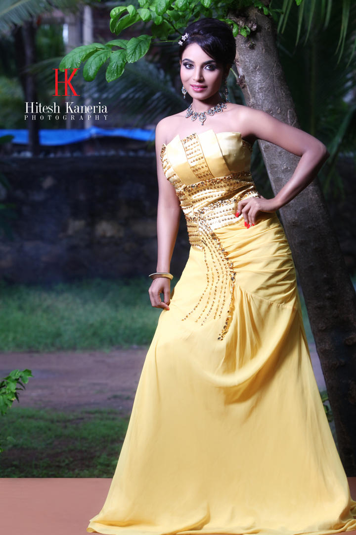 Shilpi Shukla In Golden Dress Fashionable Look Still