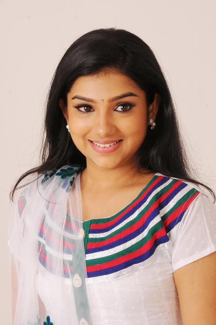 Neeraja Cute Face Look From Nenu Chala Worst Movie