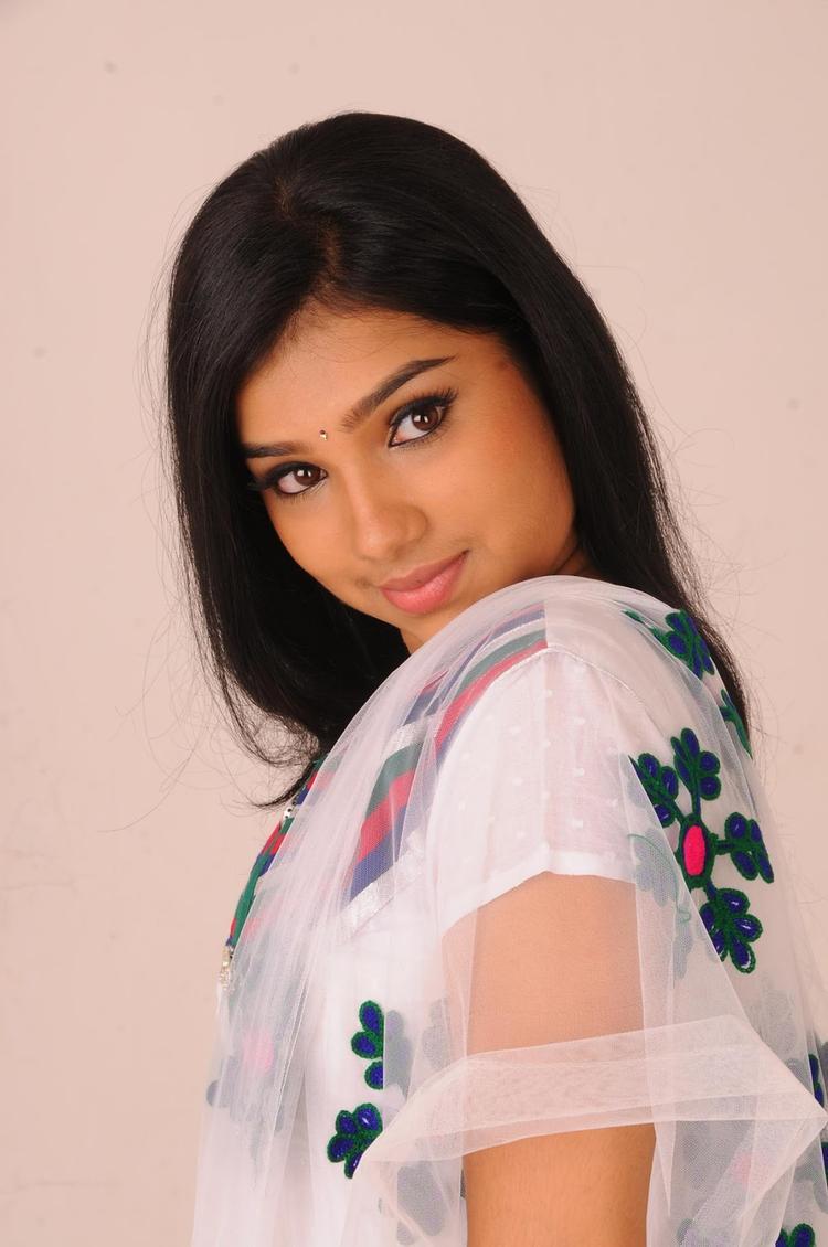 Neeraja Hot Eyes Look Still From Nenu Chala Worst Movie