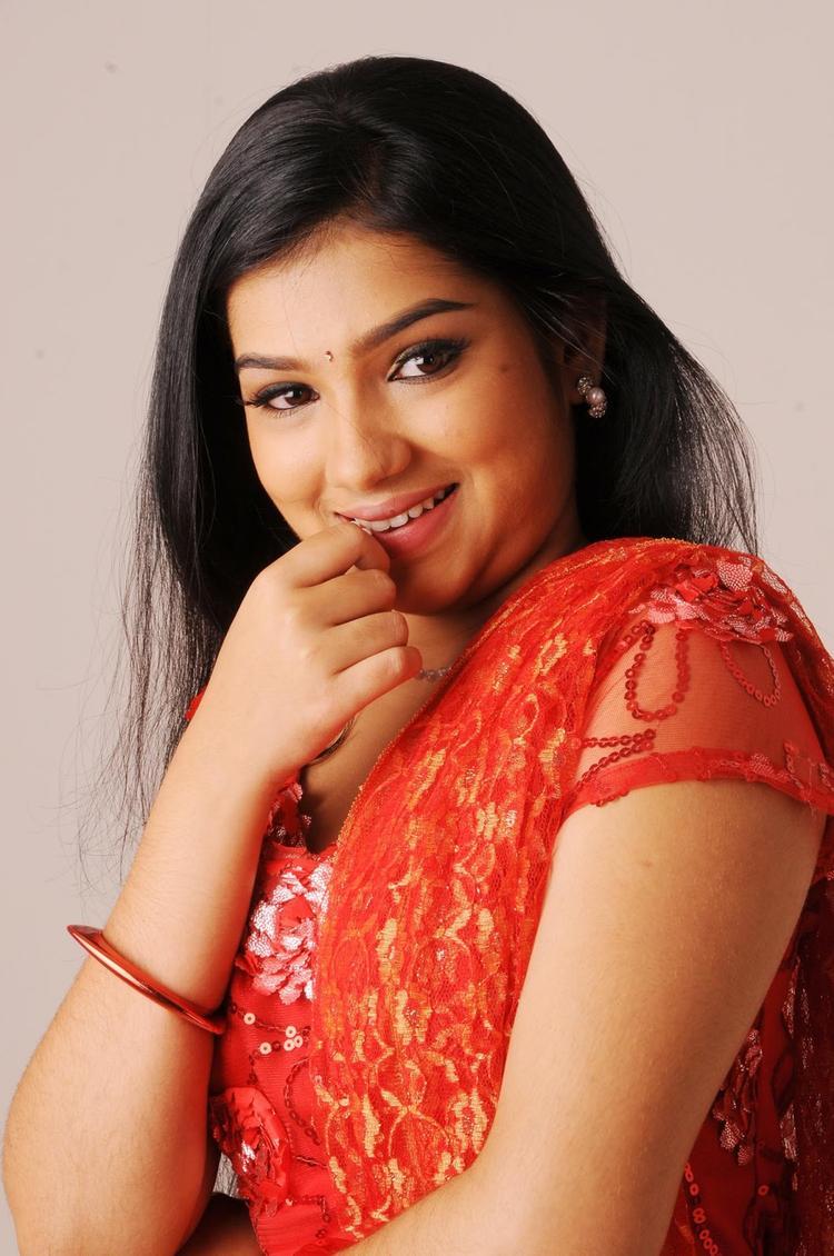 Neeraja Nice Look Still From Nenu Chala Worst Movie