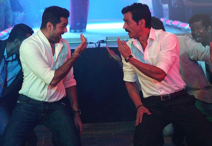 Arjun And Abhay Dance In Song Mehengai In Movie Chakravyuh