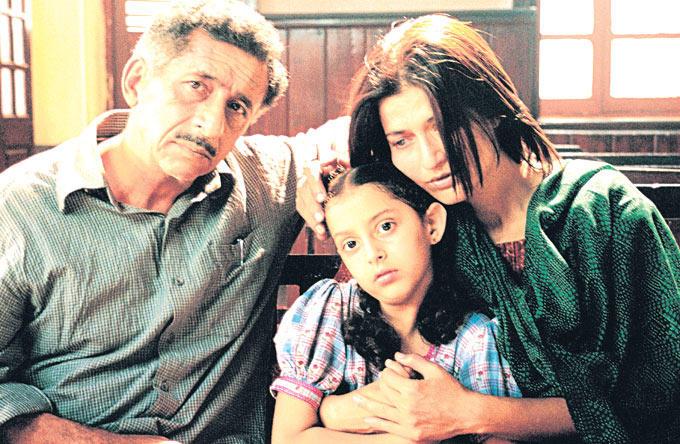 Naseeruddin And Sarika Photo In Movie Parzania