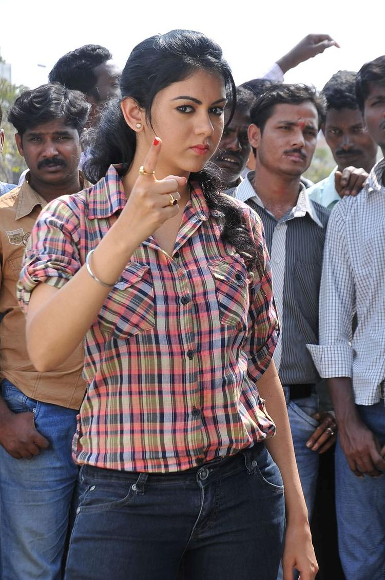 Kamna Jethmalani Angry Look Still From Pushyami Film Makers Movie