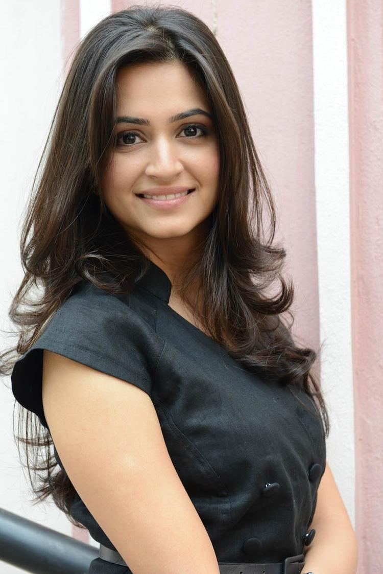 Kriti Kharbanda Trendy Looking Photo Pose At Ongole Githa Press Meet