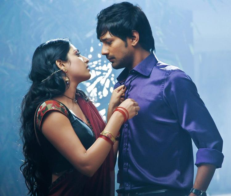 Haripriya Seduced Varun In Telugu Movie Abbai Class Ammai Mass