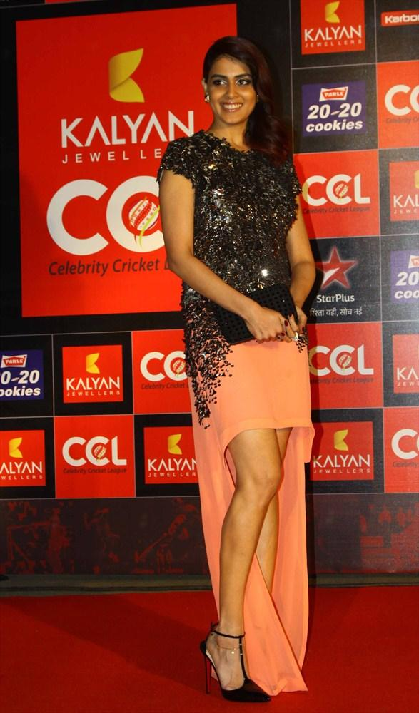 Genelia D'Souza Make An Stylish Appearance At CCL 3 Opening Ceremony