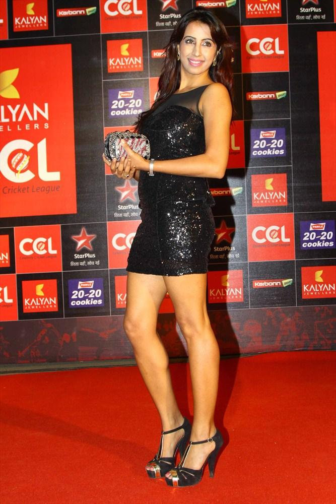 Sanjana Sexy Leg Show Photo In Black Chick Dress At CCL 3 Opening Ceremony