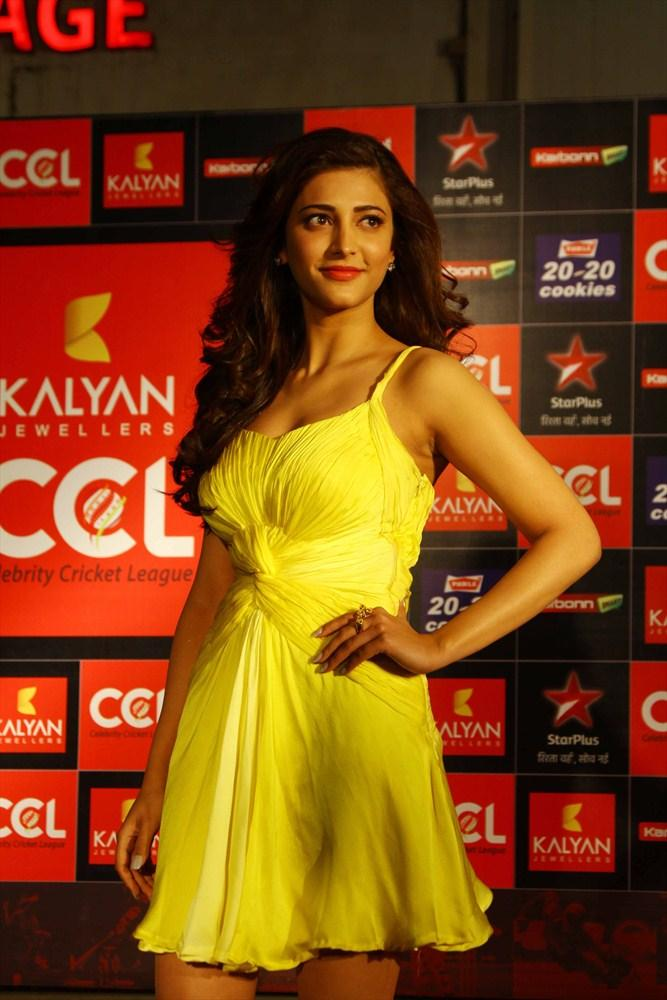 Shruti In A Yellow Mini Dress At CCL 3 Opening Ceremony