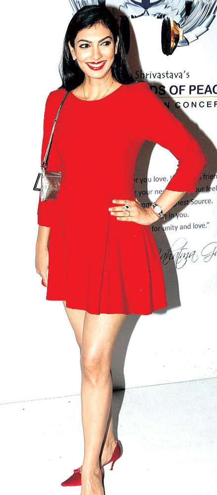 Yukta Looked Hot In Red At Global Sounds Of Peace Music Concert