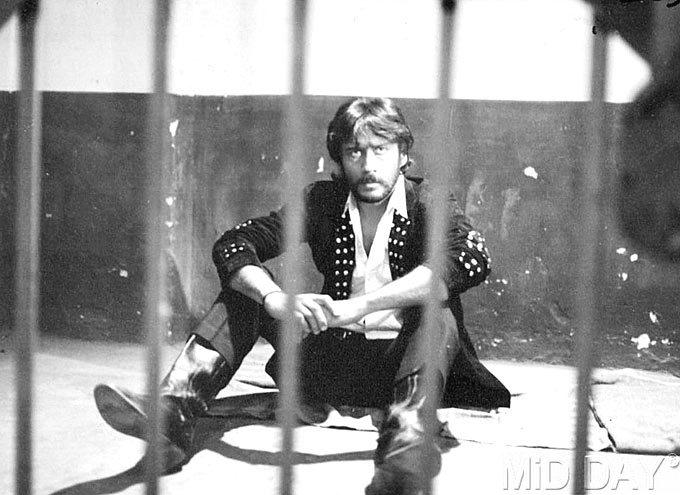 Jackie Shroff In Jail A Still From A Movie