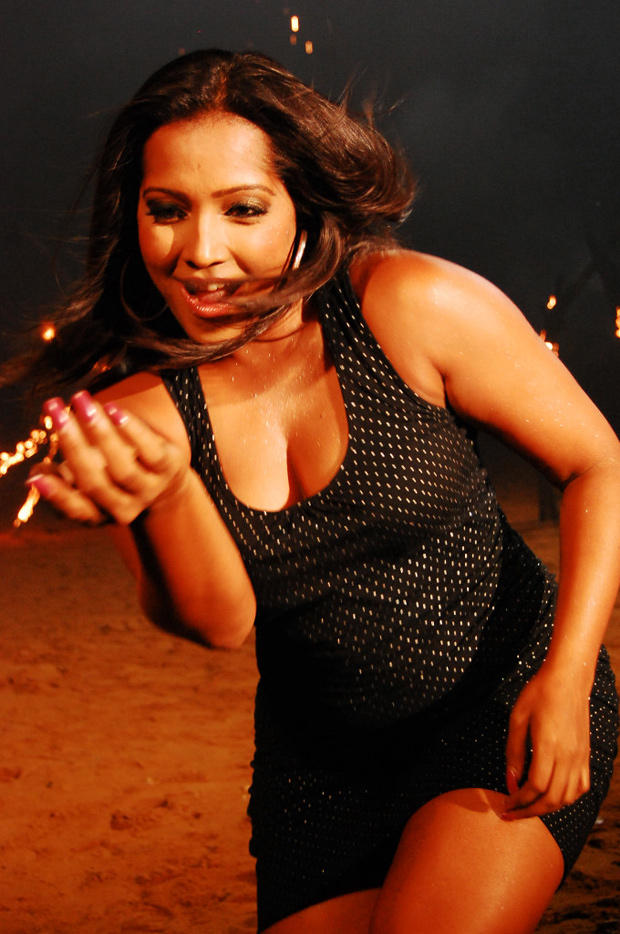 Meghna Naidu Sexy Cleavage Show Photo Still
