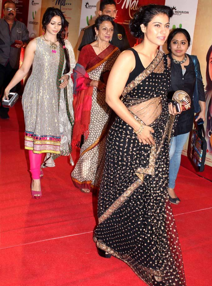 Kajol With Mom Tanuja And Sister Tanishaa Arrived At The Premiere Of Mai