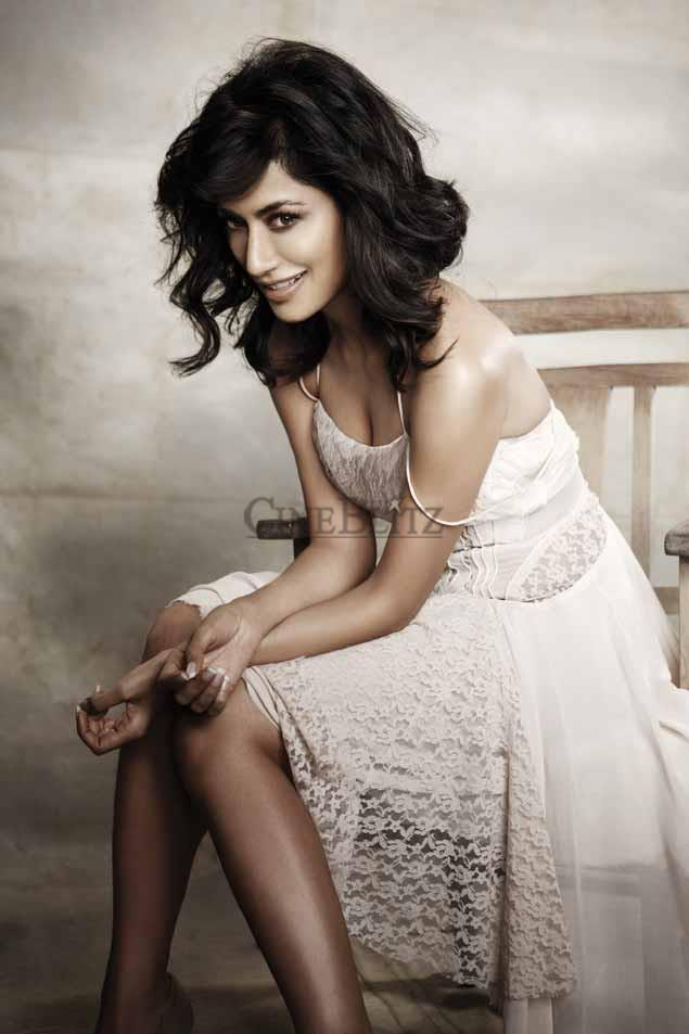 Chitrangada Singh Cute Smiling Look Photo Shoot For Cineblitz Feb 2013